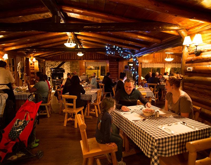 Pourvoirie Mekoos - Lieu des plus agréable pour un excellent repas en bonne compagnie!